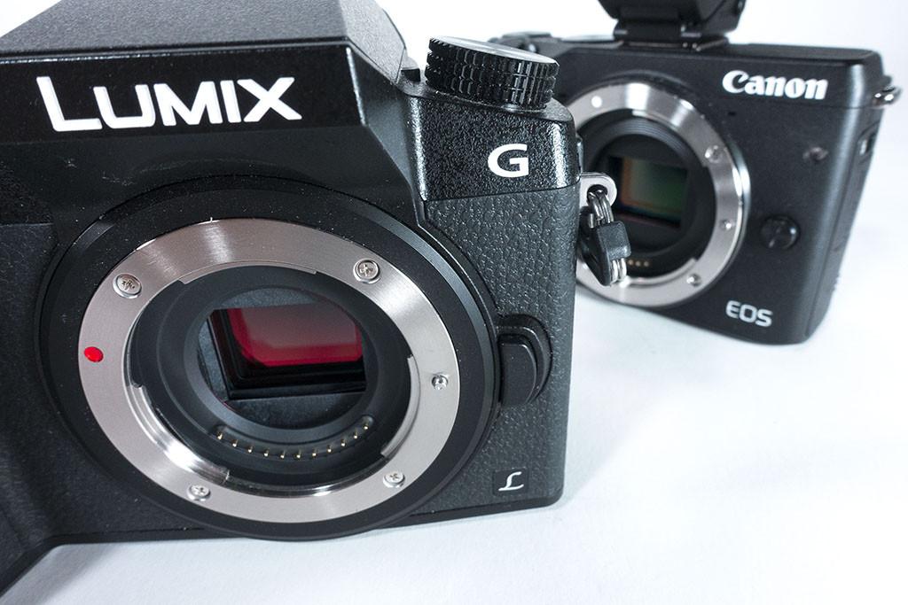 BRIKKENE: Panasonic og Canon har valgt ulike bildebrikkestørrelser på Lumix G7 og EOS M3. (Foto: Toralv Østvang)