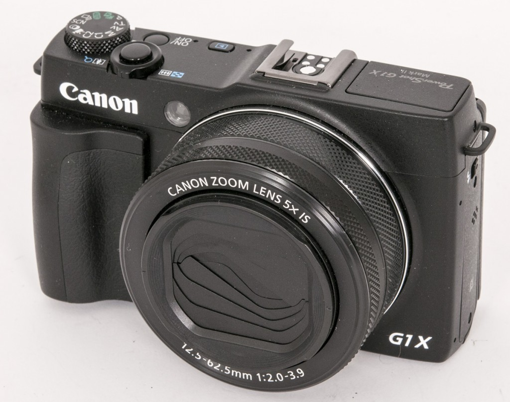 """KOMPAKT: Canon G1 X Mark II i """"kompaktversjon"""", uten søker og med innfelt objektiv."""
