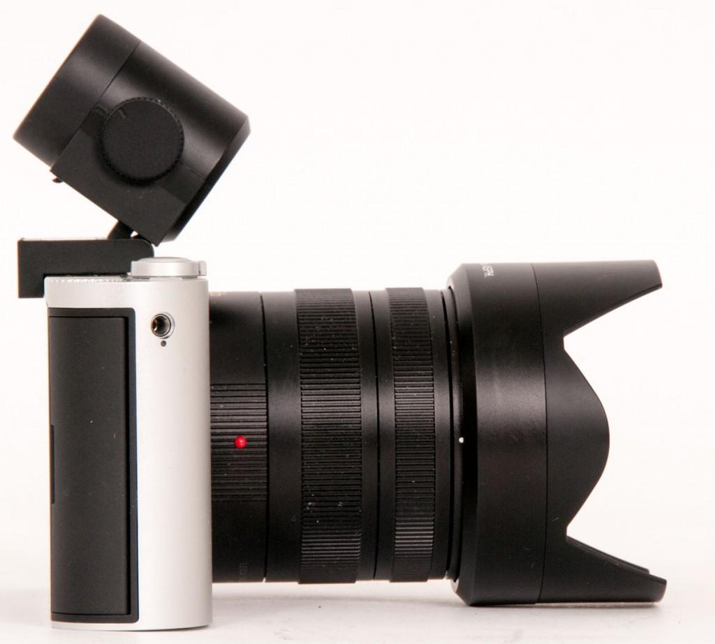 SØKEREN I FOKUS: Den elektroniske søkeren - innebygd eller avtagbar - er et viktig element på speilløse systemkameraer i entusiast-klassen, mener PC World. Her er søkeren på Leica T.