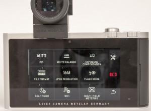 IKONER: Leicas betjeninsgsystem er i stor grad basert på ikoner på lcd-skjermen. Løsningen er faktisk ganske effektiv - når man har lært den.