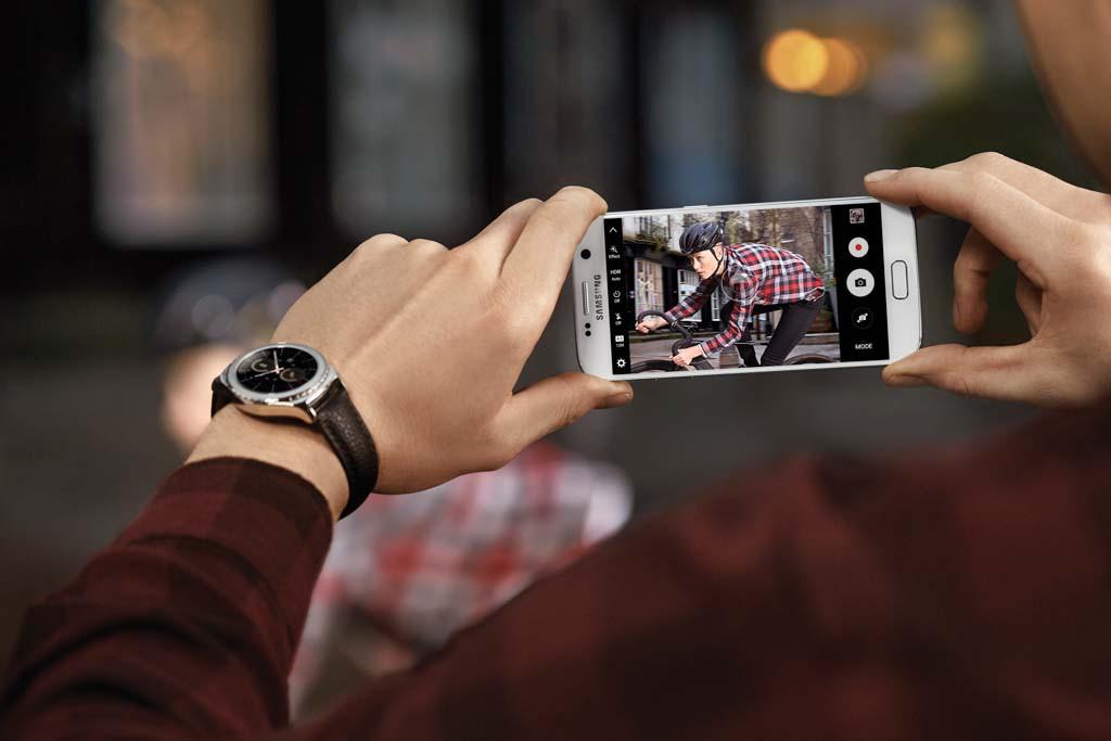 KAMERA: Samsung har forbedre Galaxy 7-kameraet med Dual Pixel-autofokus og større dioder. (Foto: Samsung)