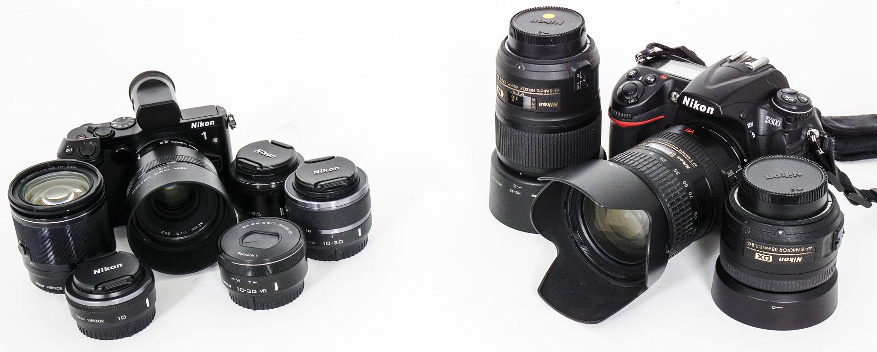 KRYMPET: Nikon 1 V3 fremstår som et krympet kamerasystem, her satt opp ved siden av et klassisk Nikon-speilreflekssystem med en Nikon D300.