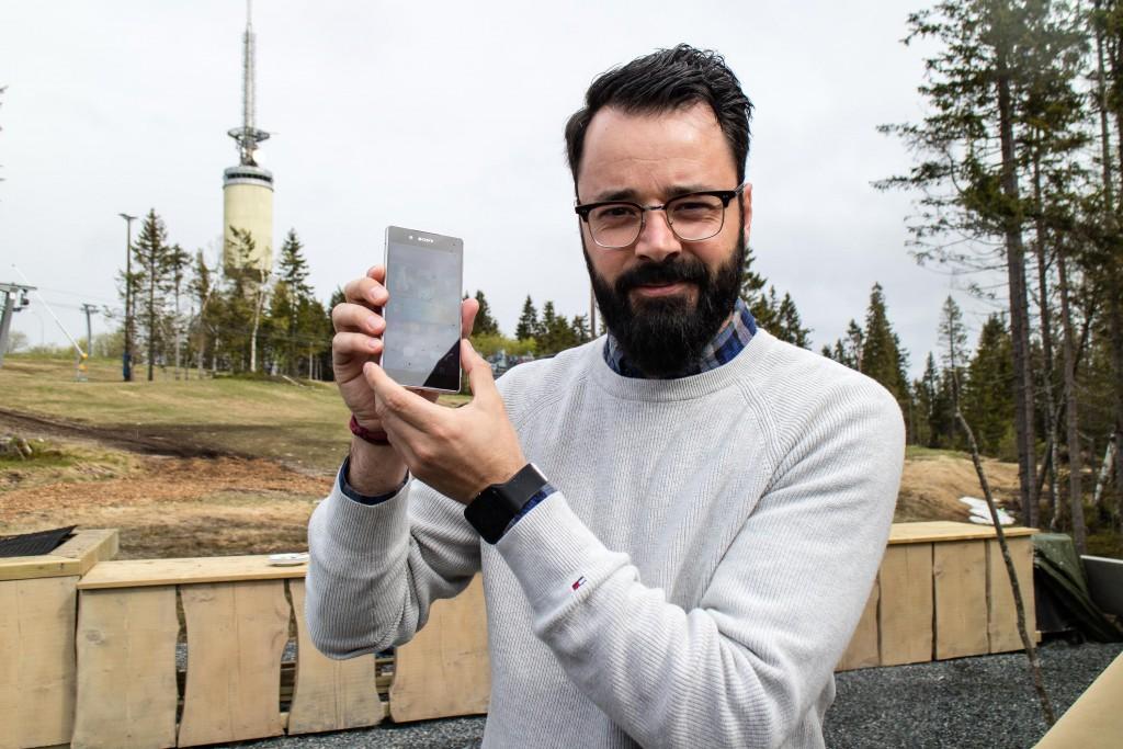 FOR DE AKTIVE: Markedsansvarlig hos Sony Mobile i Norge, Frank Otterbeck, valgte aktivitetssenteret ved Tryvann i Oslo til lanseringen av Xperia Z3+ i Norge. (Foto: Toralv Østvang)