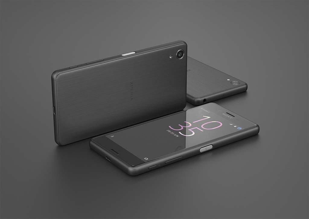 KRAFTMOBIL: Sony Xperia X Performance er utrustet med svært høye spesifikasjoner, inkludert Predictive Hybrid Autofocus, som skal gjøre det lettere å holde fokus på motiver i bevegelse. (Foto: Sony)