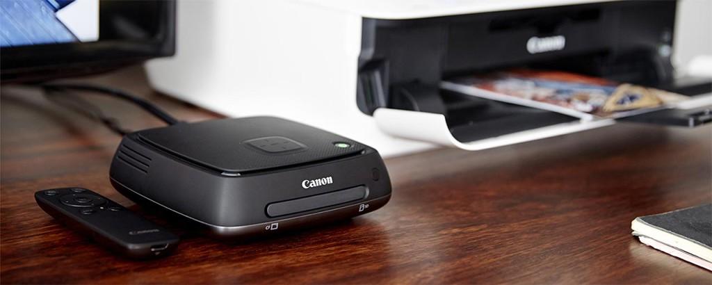 BILDENE I BOKS: Canon Connect Station CS100 kan være kjekk å ha i stua. (Foto: Canon)