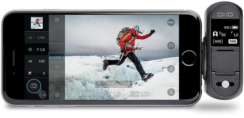TILHENGER: Dxo One-konseptet går ut på å hekte en kameramodul på en Iphone via Lightning-kontakten. (Foto: Dxo)