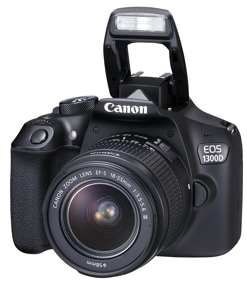 BLITS: Canon EOS 1300D har oppfellbar blits samt blitssko som støtter flere av Canons blitser. (Foto: Canon)