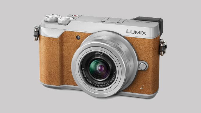Panasonic Lumix GX80 er et kompakt Micro Four Thirds-kamera med elektronisk søker. (Foto: Panasonic)