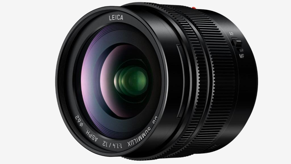 PREMIUM-OBJEKTIV: Panasonics nye Leica-vidvinkel hører hjemme i premium-klassen. (Foto: Panasonic)