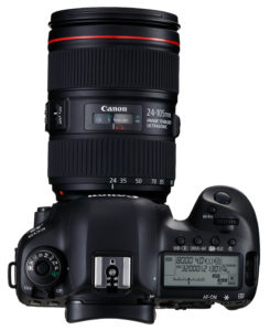 Canon EOS 5D Mark IV 24-105 mm